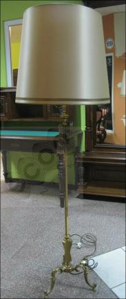 STOJĄCA MOSIĘŻNA LAMPA (k)