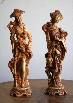 DWIE ORIENTALNE FIGURKI